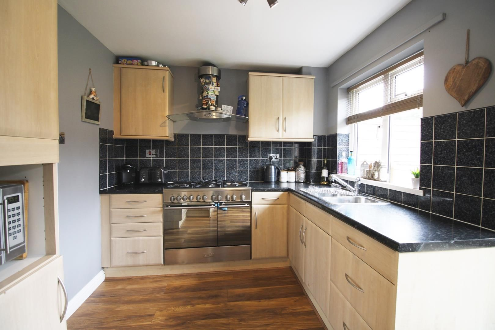 3 bed house for sale in Crown Wood 4