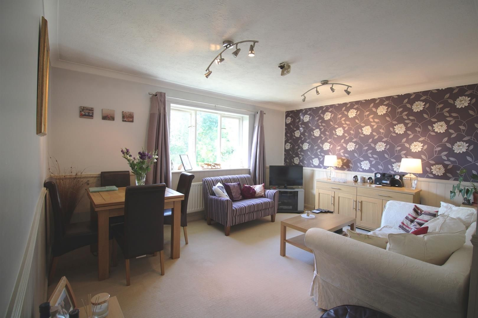 2 bed apartment for sale in Hebbecastle Down 2
