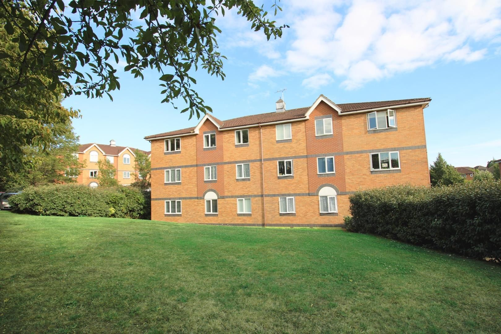 2 bed apartment for sale in Hebbecastle Down 5