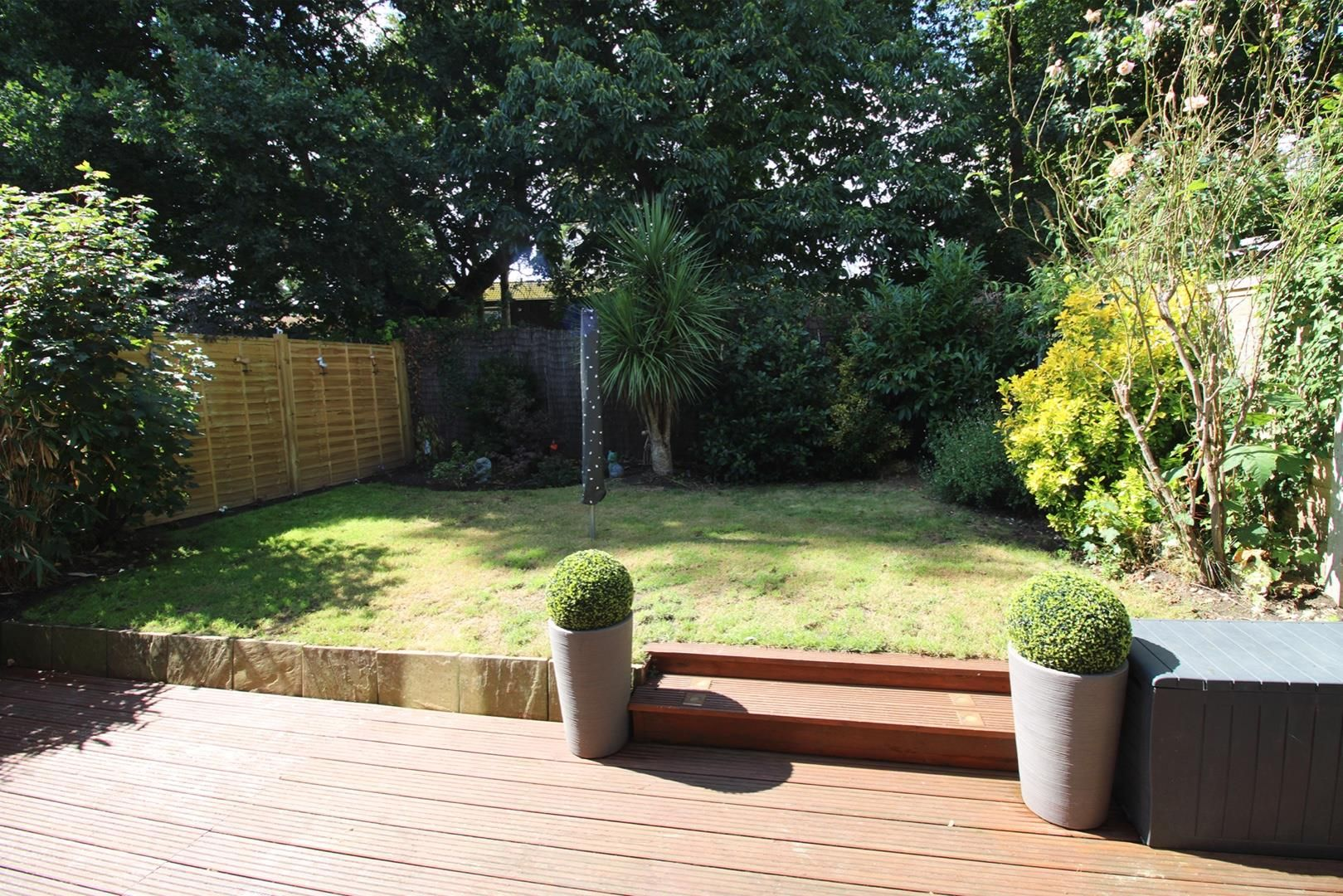 3 bed terraced for sale in Hanworth 1