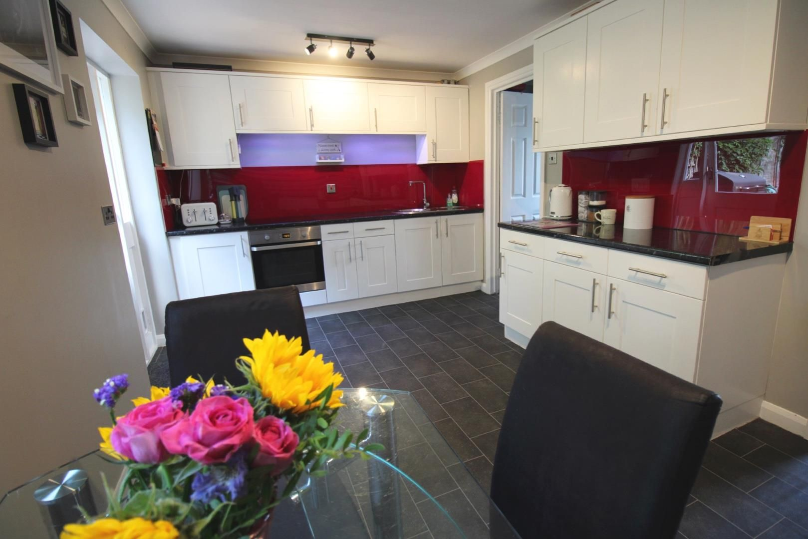 3 bed terraced for sale in Hanworth 3