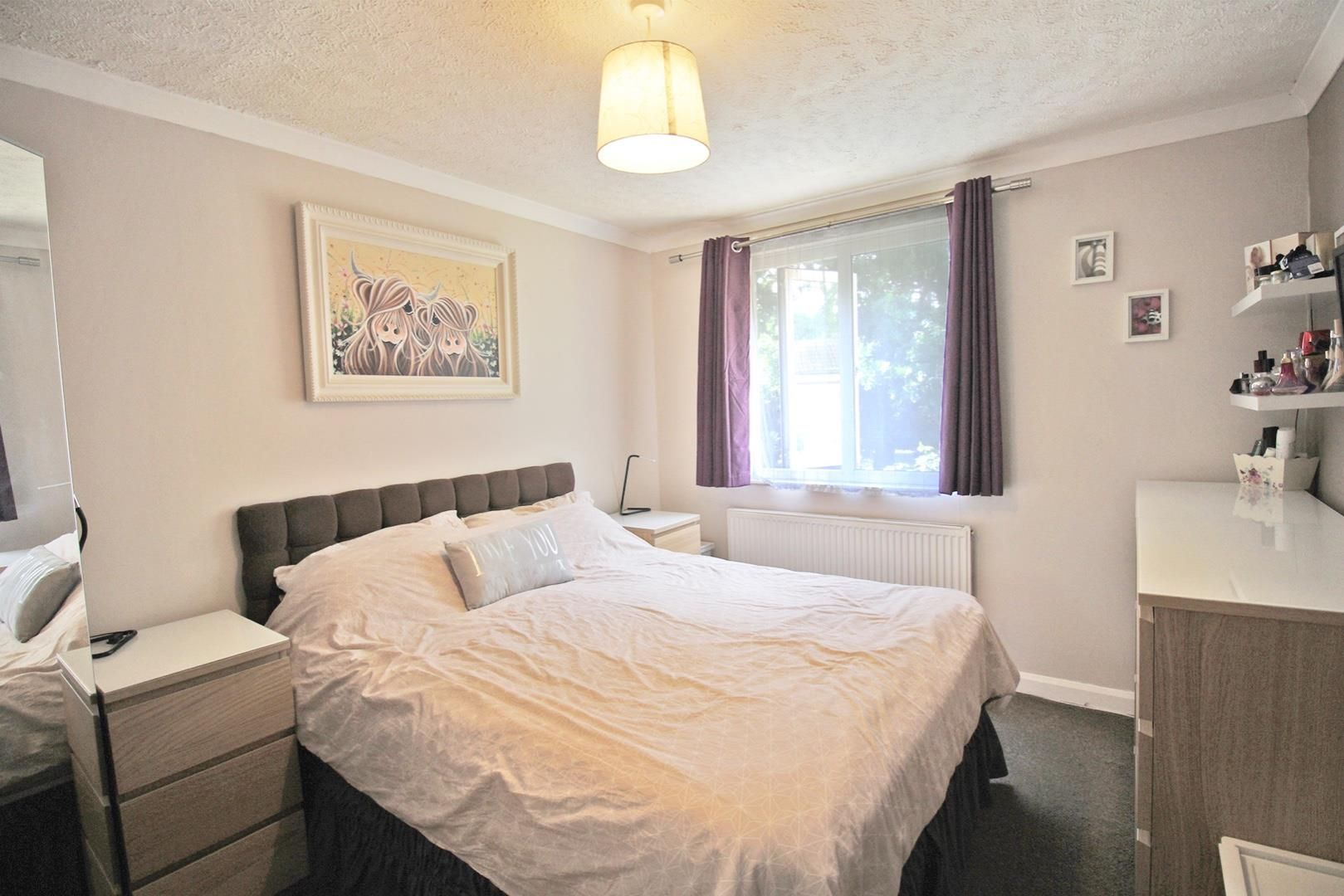 3 bed terraced for sale in Hanworth 8