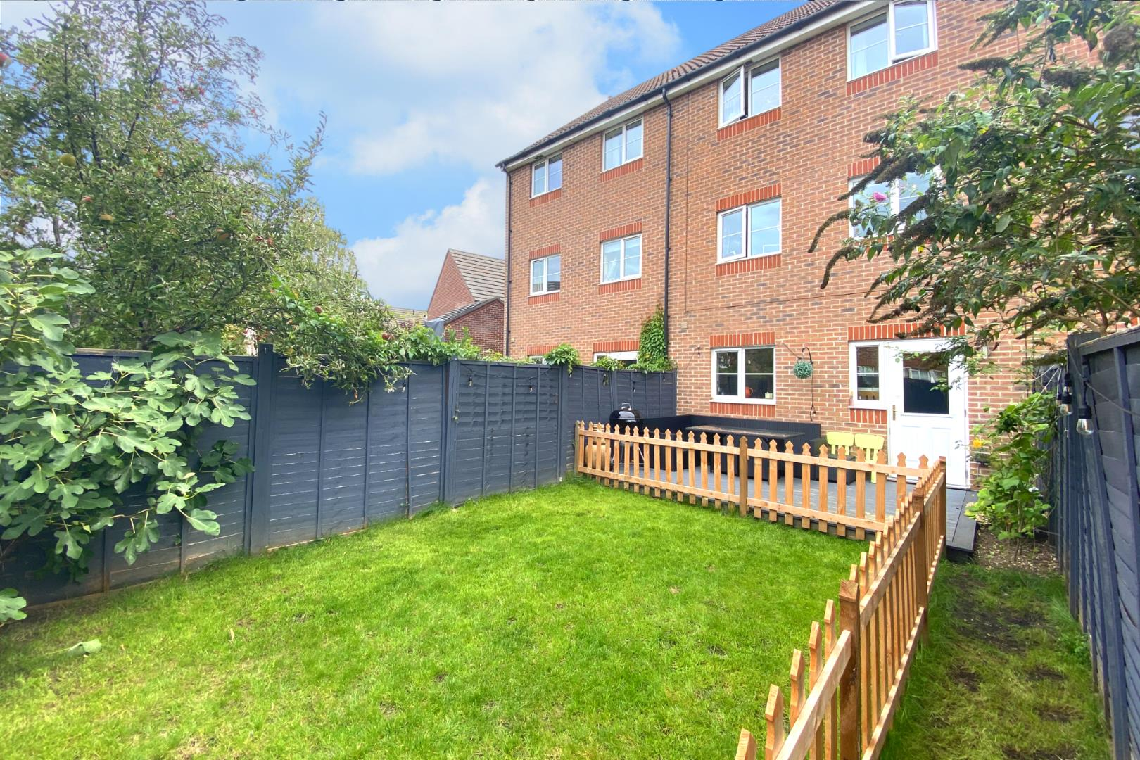 4 bed town house for sale  - Property Image 16