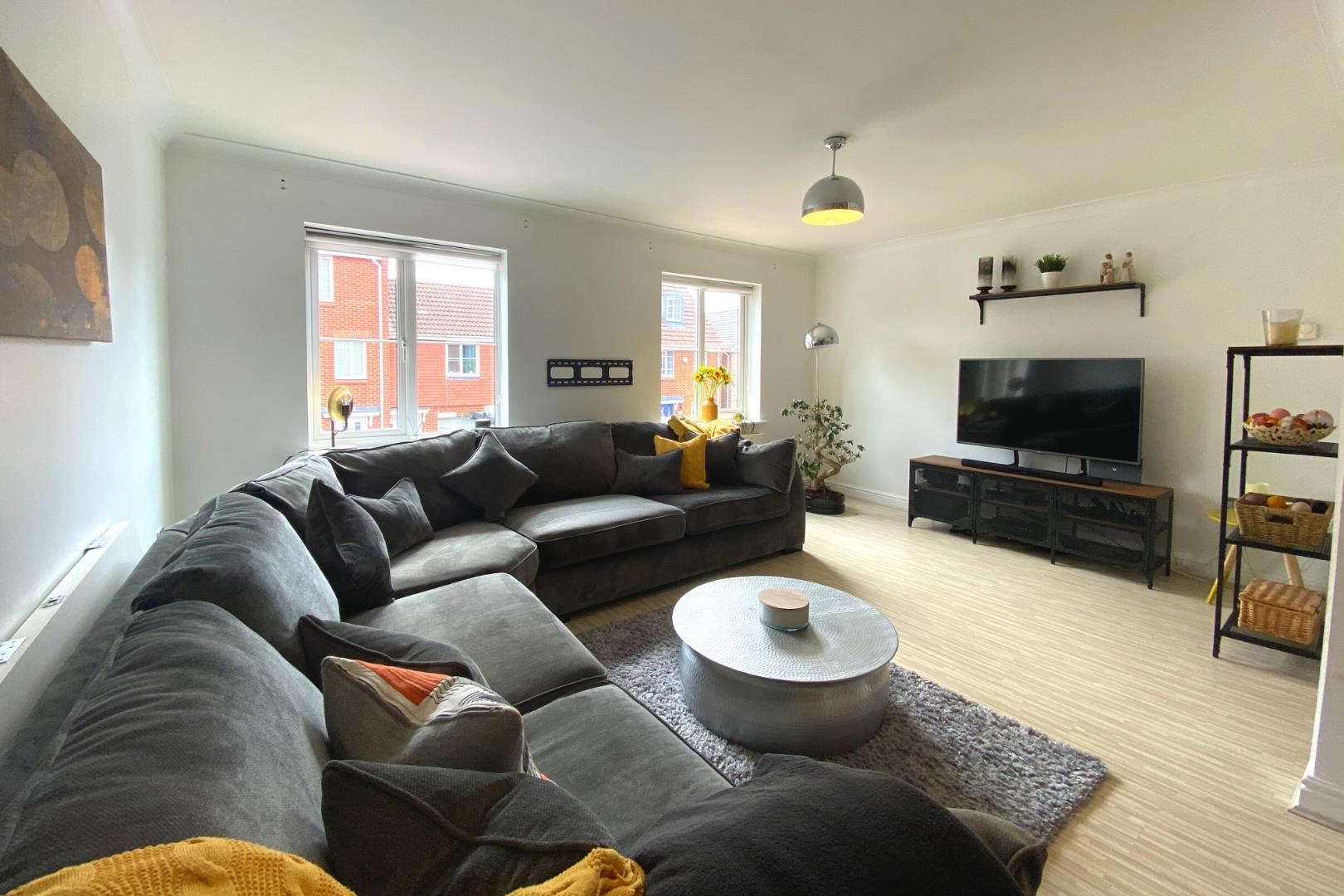 4 bed town house for sale  - Property Image 6