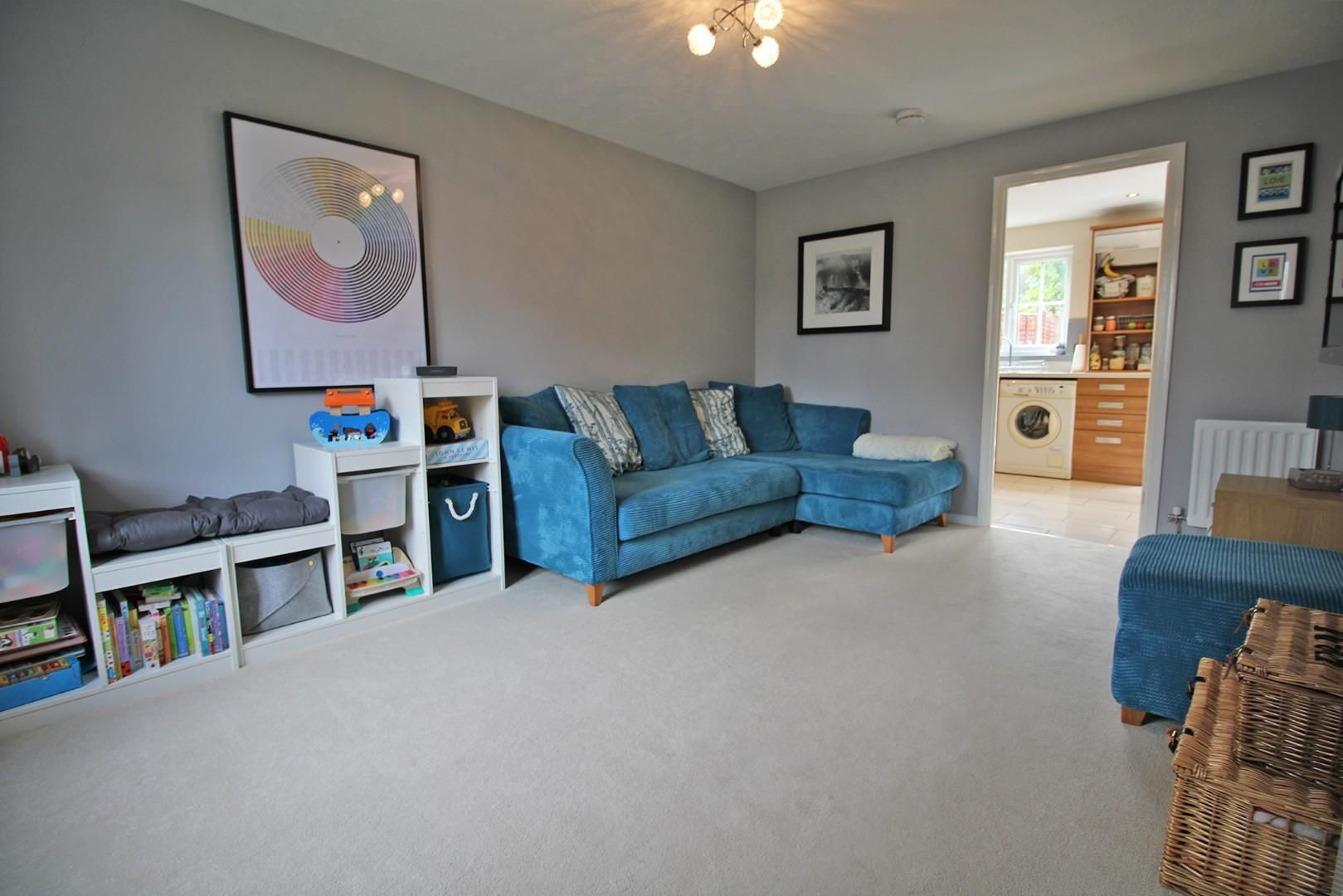3 bed end of terrace for sale in Lower Earley 2
