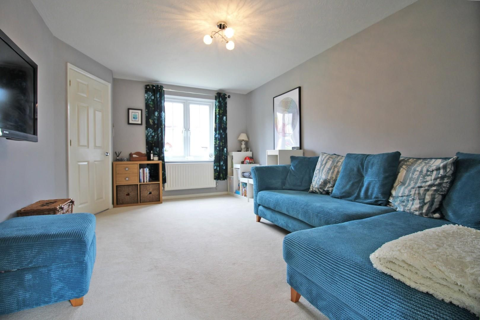 3 bed end of terrace for sale in Lower Earley 14