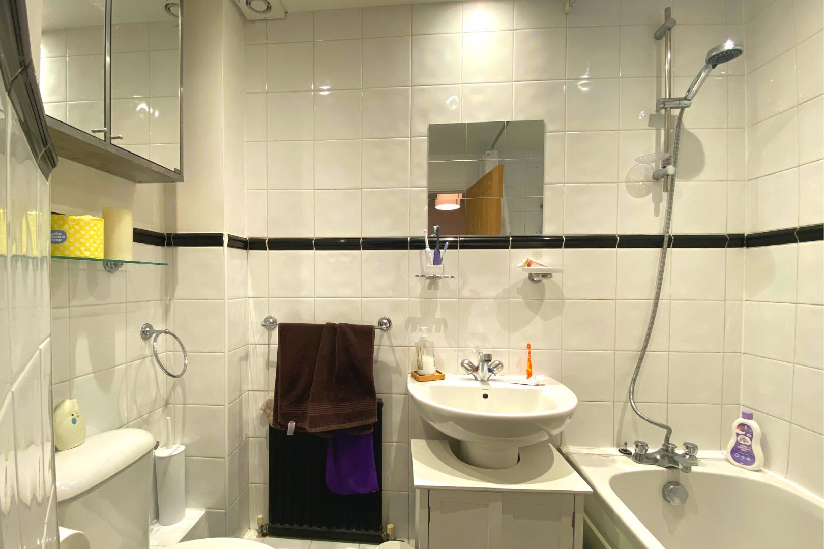 2 bed house for sale in Ash Vale 7