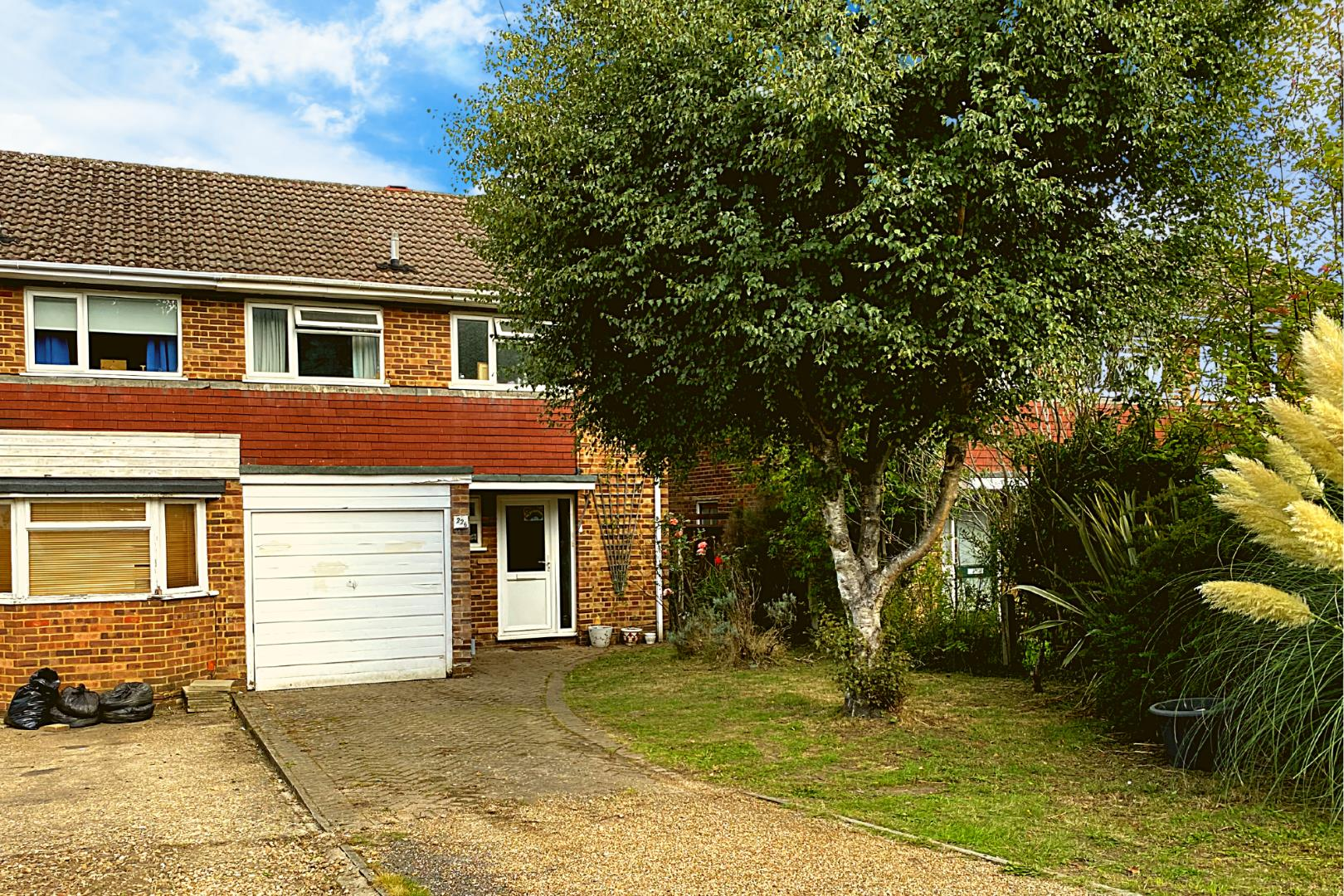 3 bed house for sale in Brookwood, GU24