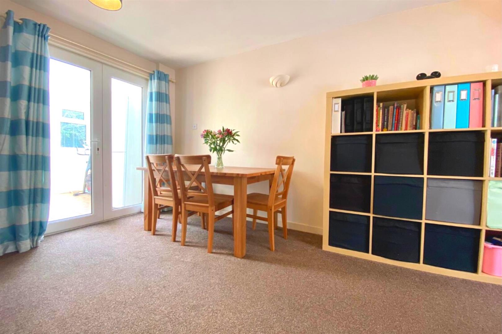 3 bed end of terrace for sale in Arborfield Cross 11
