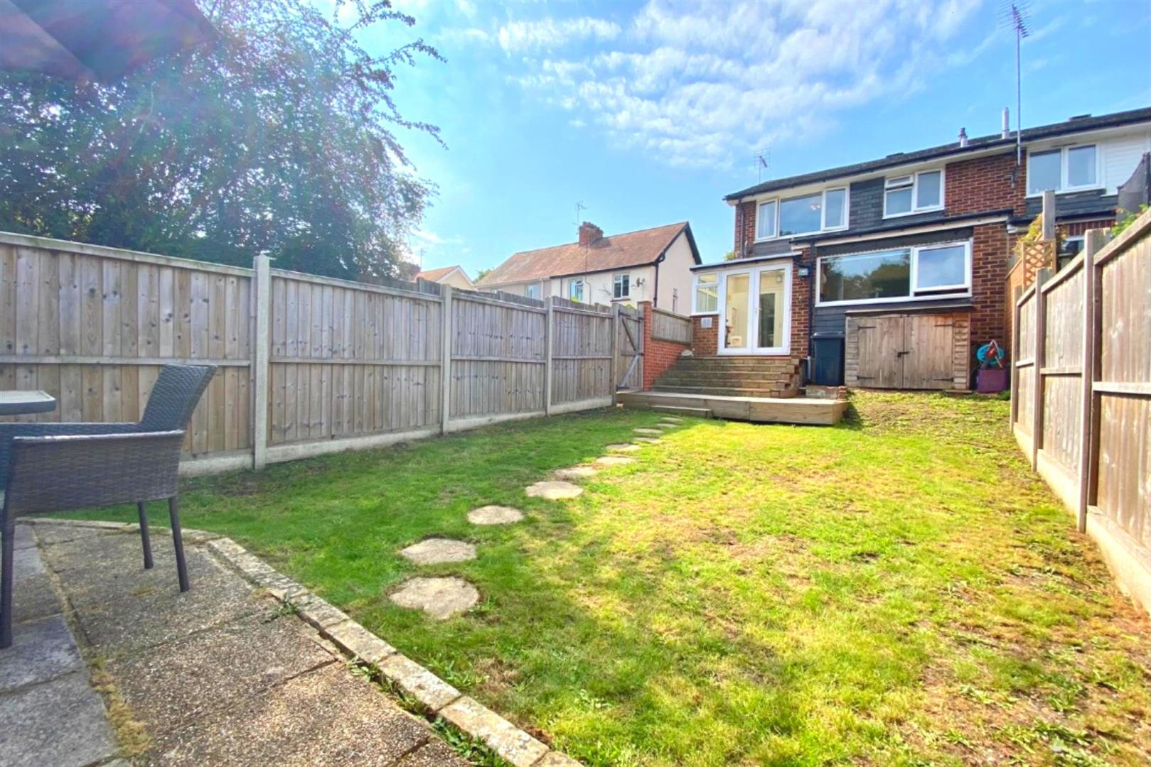 3 bed end of terrace for sale in Arborfield Cross 3