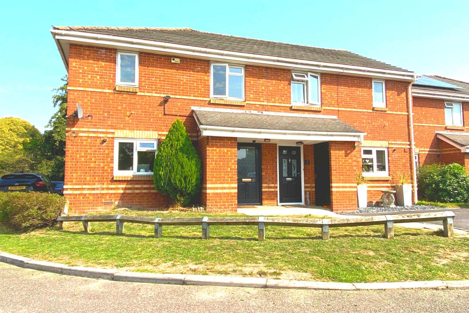 3 bed end of terrace for sale in Winnersh, RG41