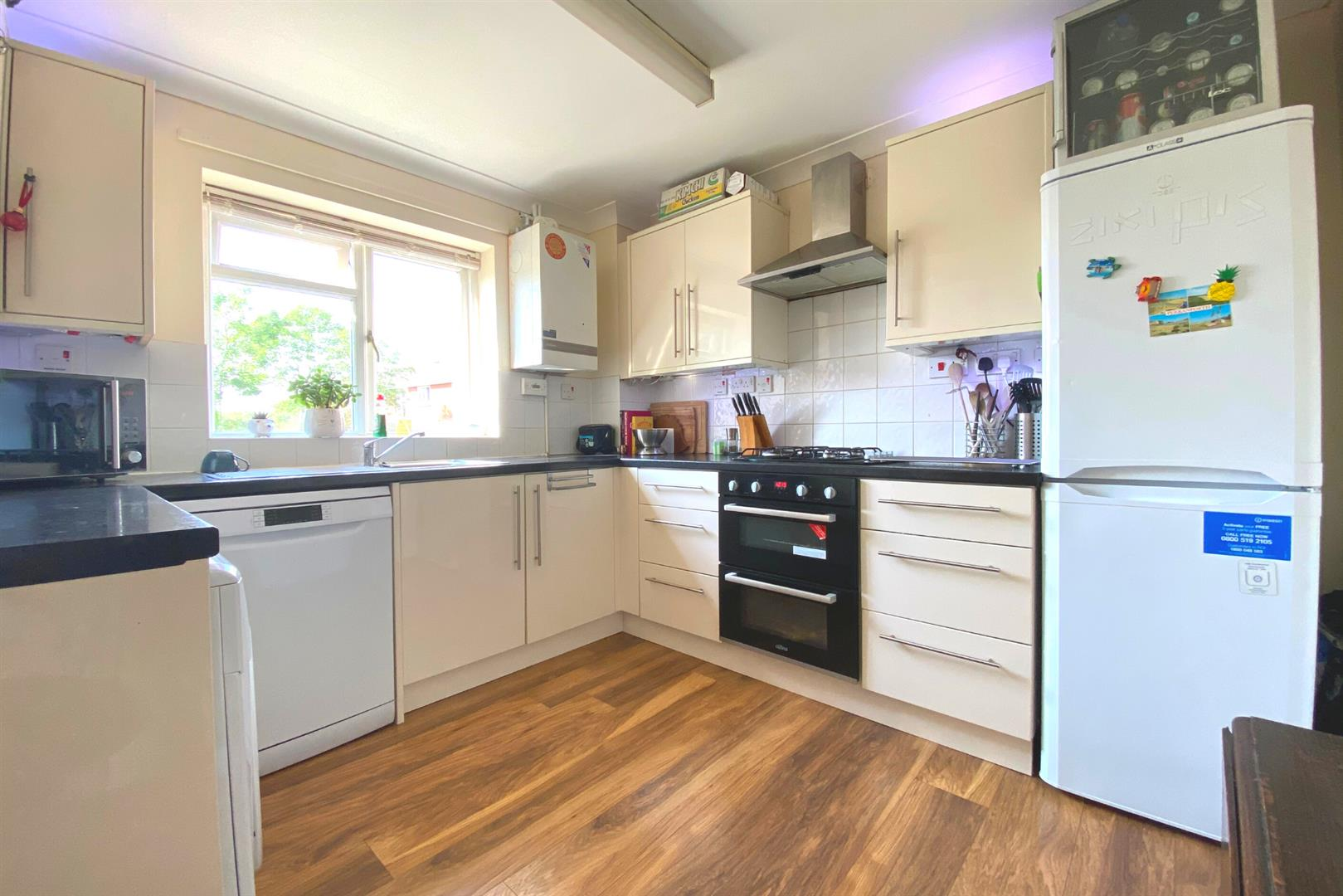 3 bed end of terrace for sale in Winnersh  - Property Image 8