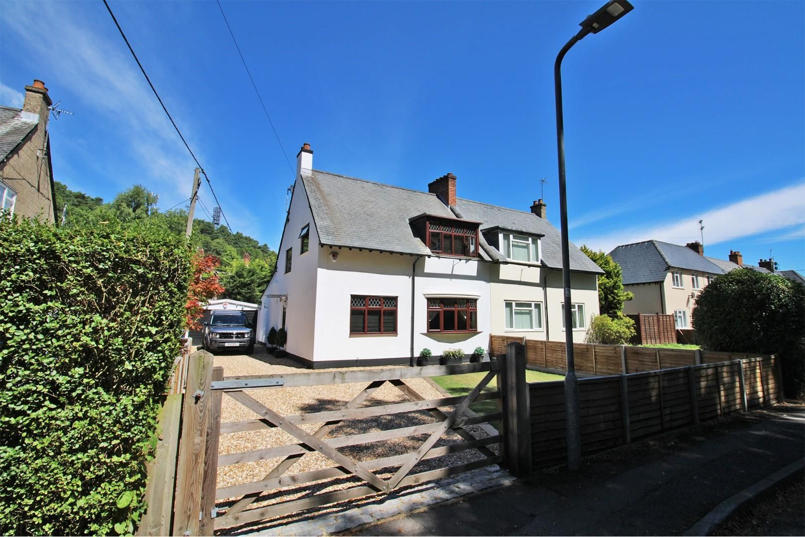 3 bed semi-detached to rent 2