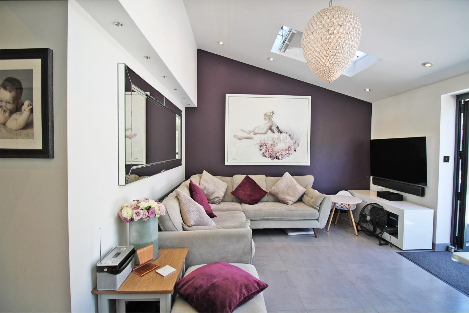 3 bed semi-detached to rent  - Property Image 5