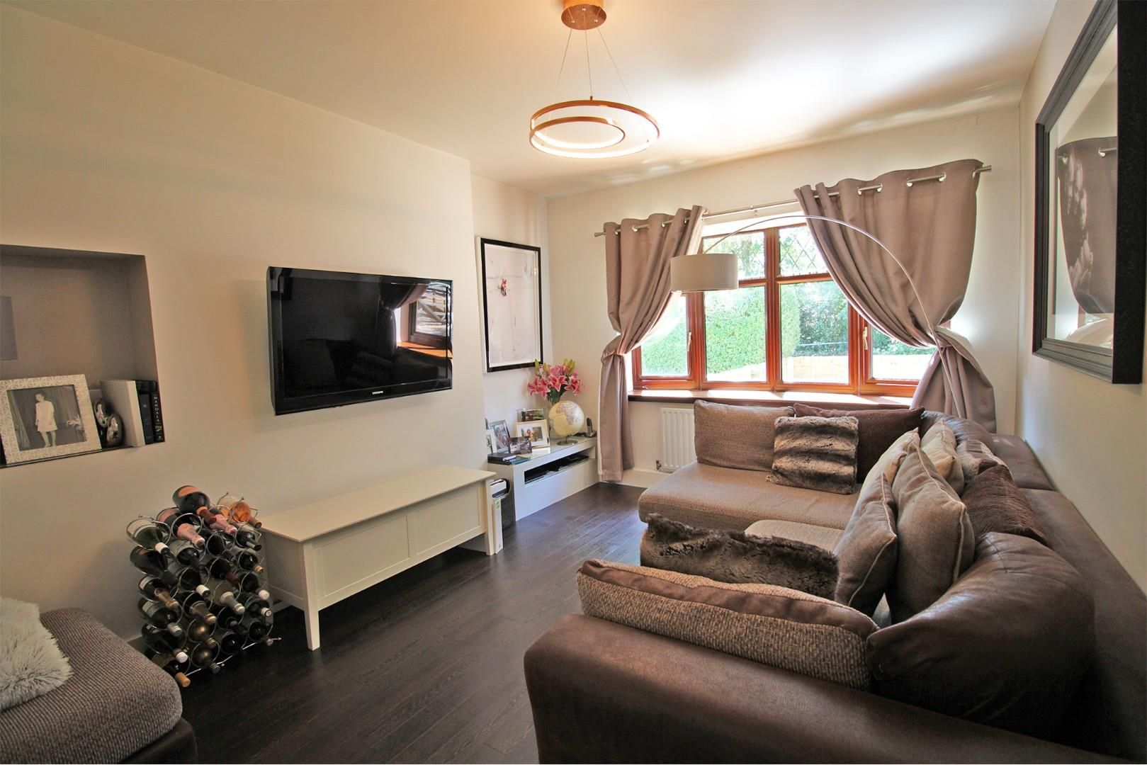 3 bed semi-detached to rent 6