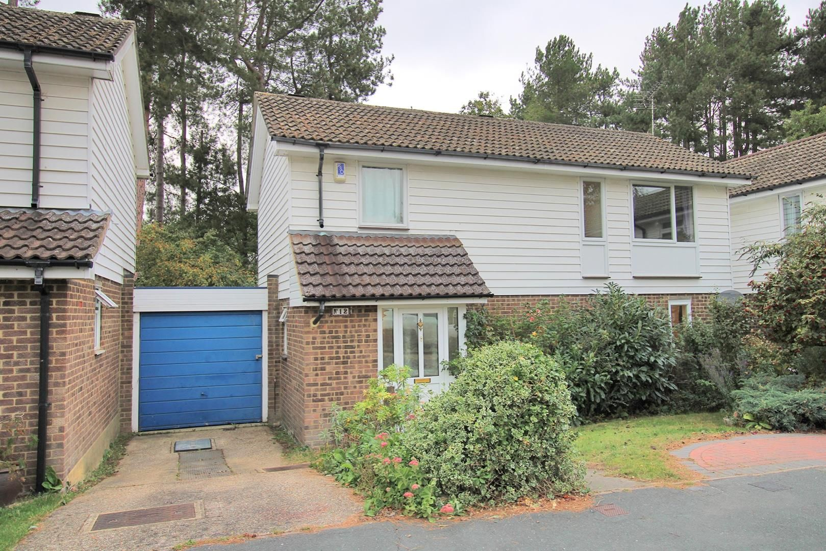 3 bed detached for sale in Wooden Hill, RG12