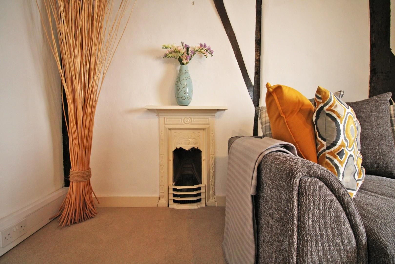 1 bed house for sale  - Property Image 2