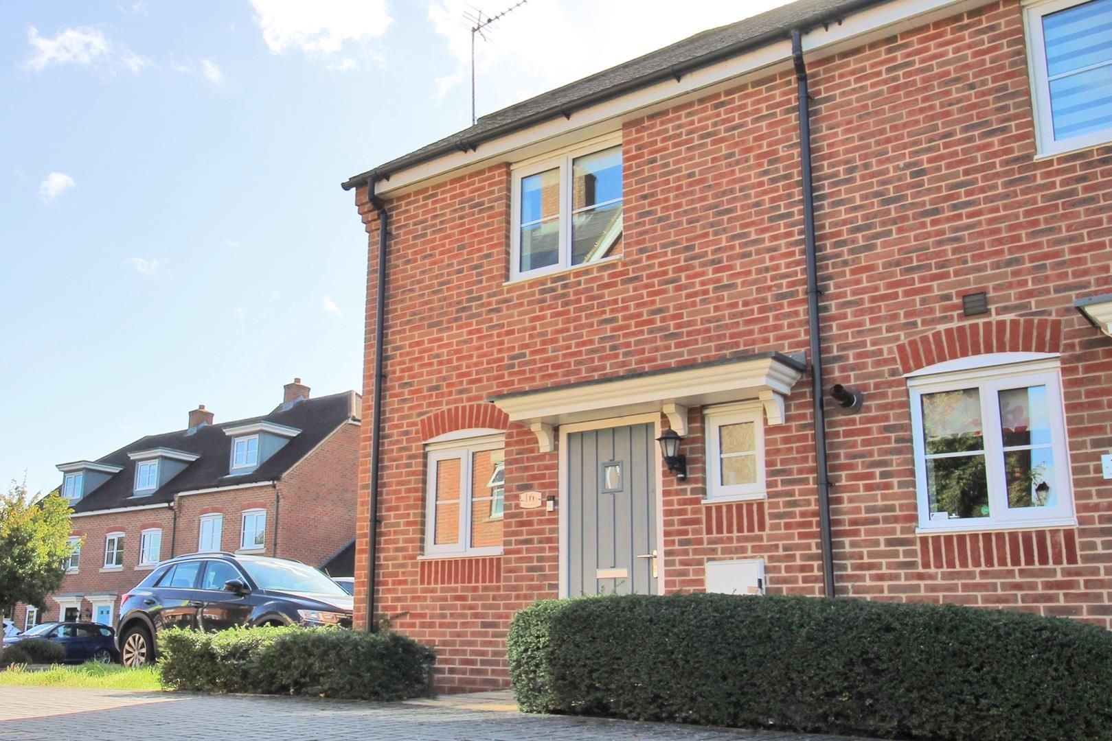 2 bed house for sale in Wykery Copse, RG12