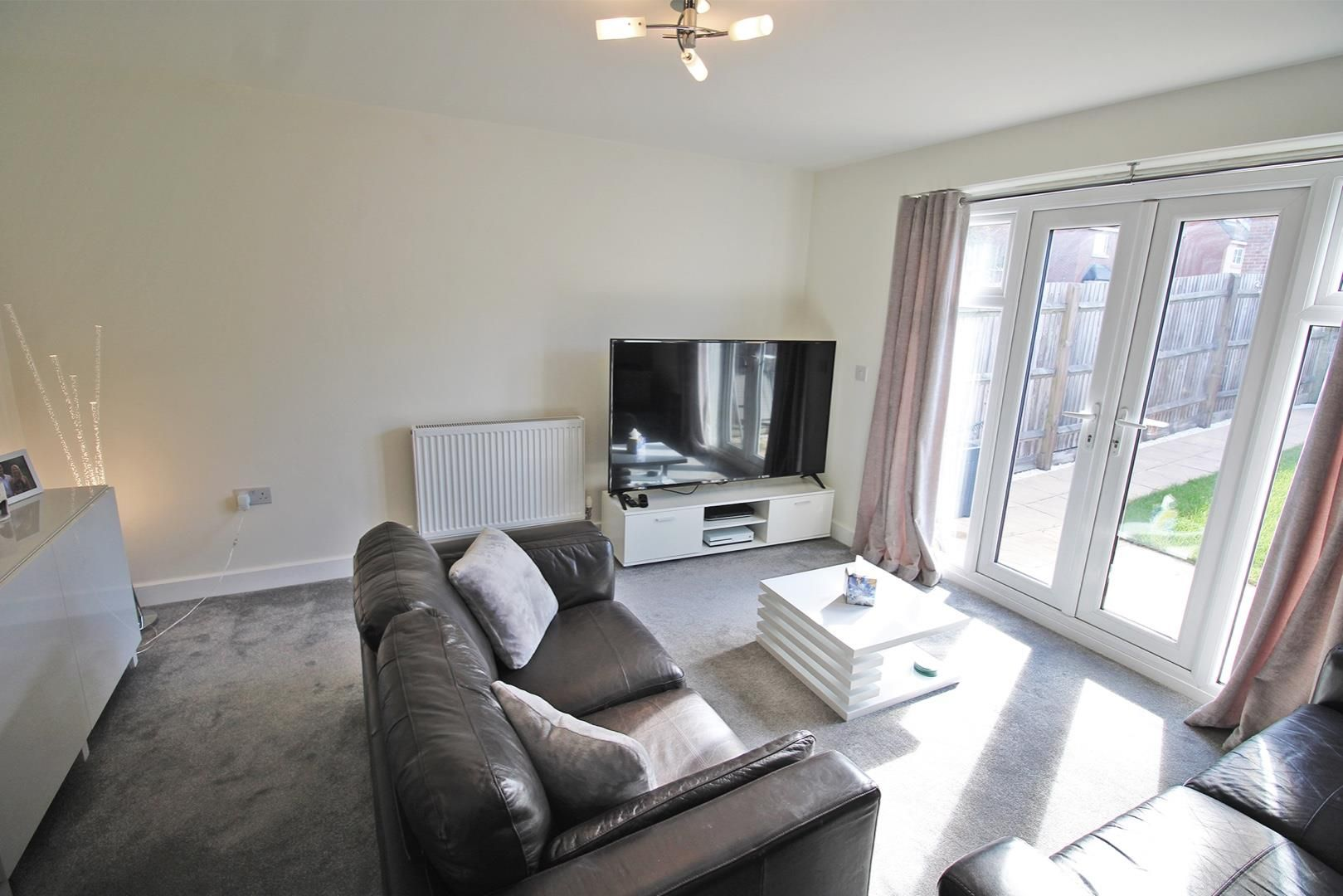 2 bed house for sale in Wykery Copse 3