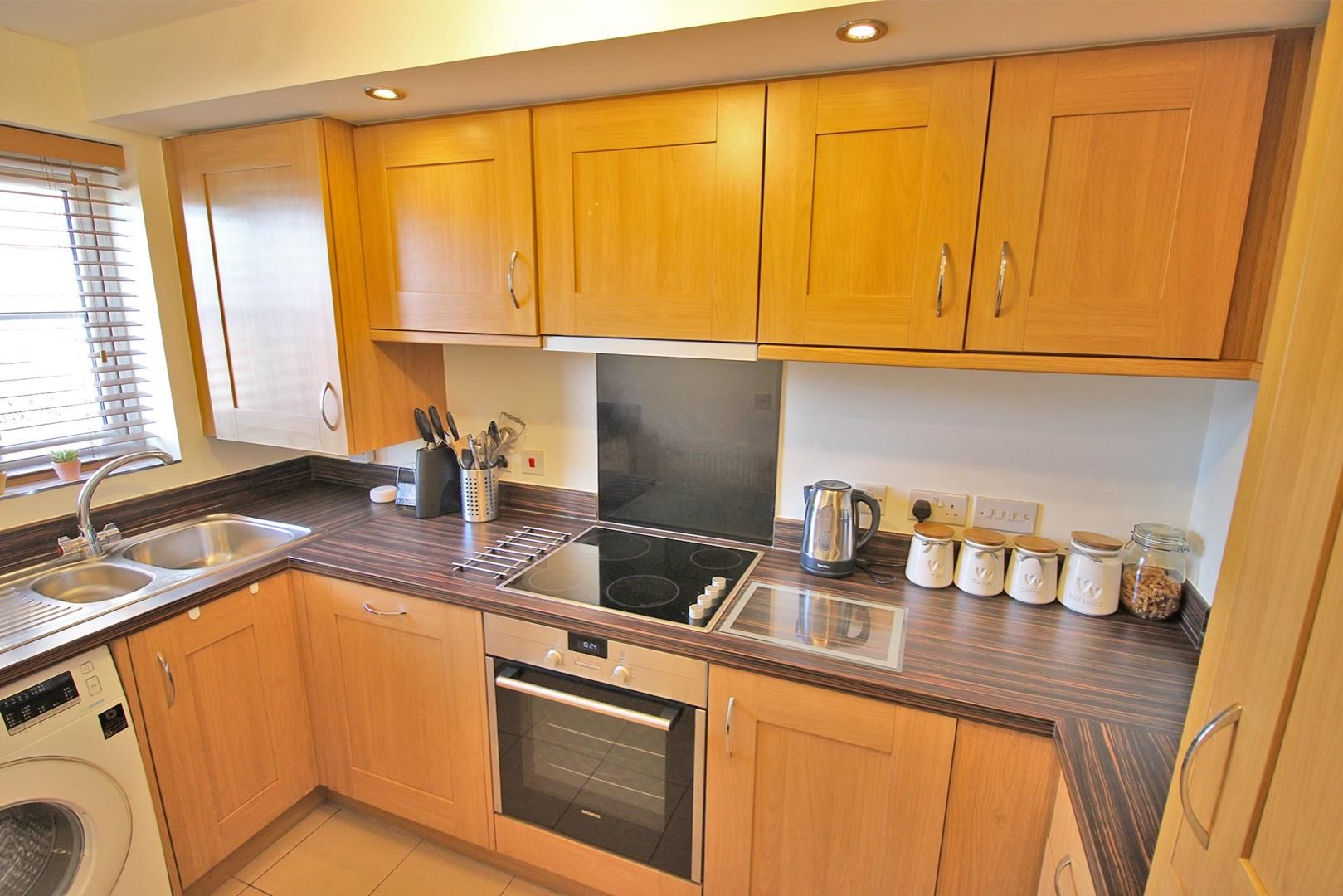 2 bed house for sale in Wykery Copse 4