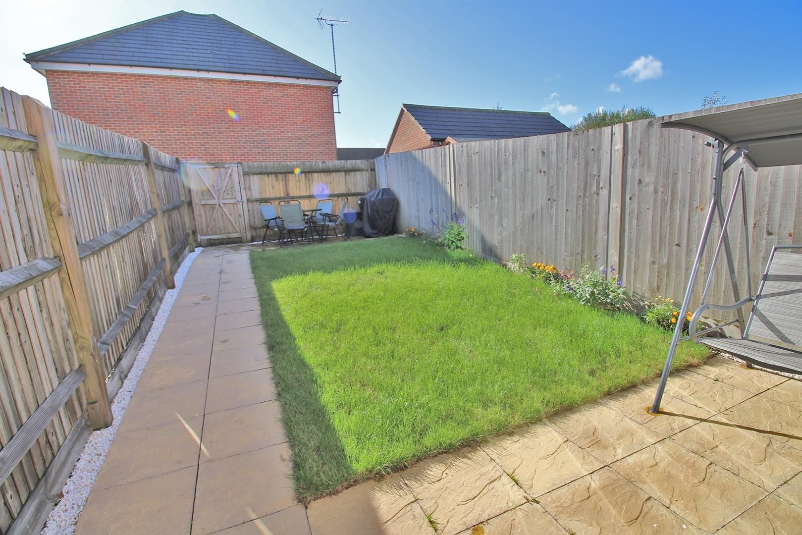 2 bed house for sale in Wykery Copse 5