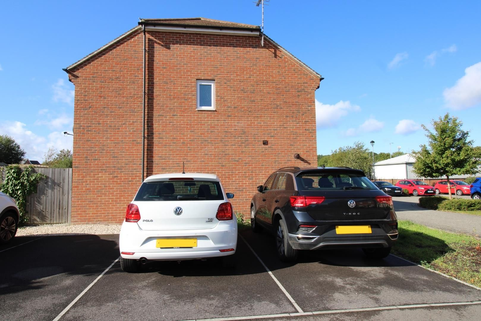 2 bed house for sale in Wykery Copse 6