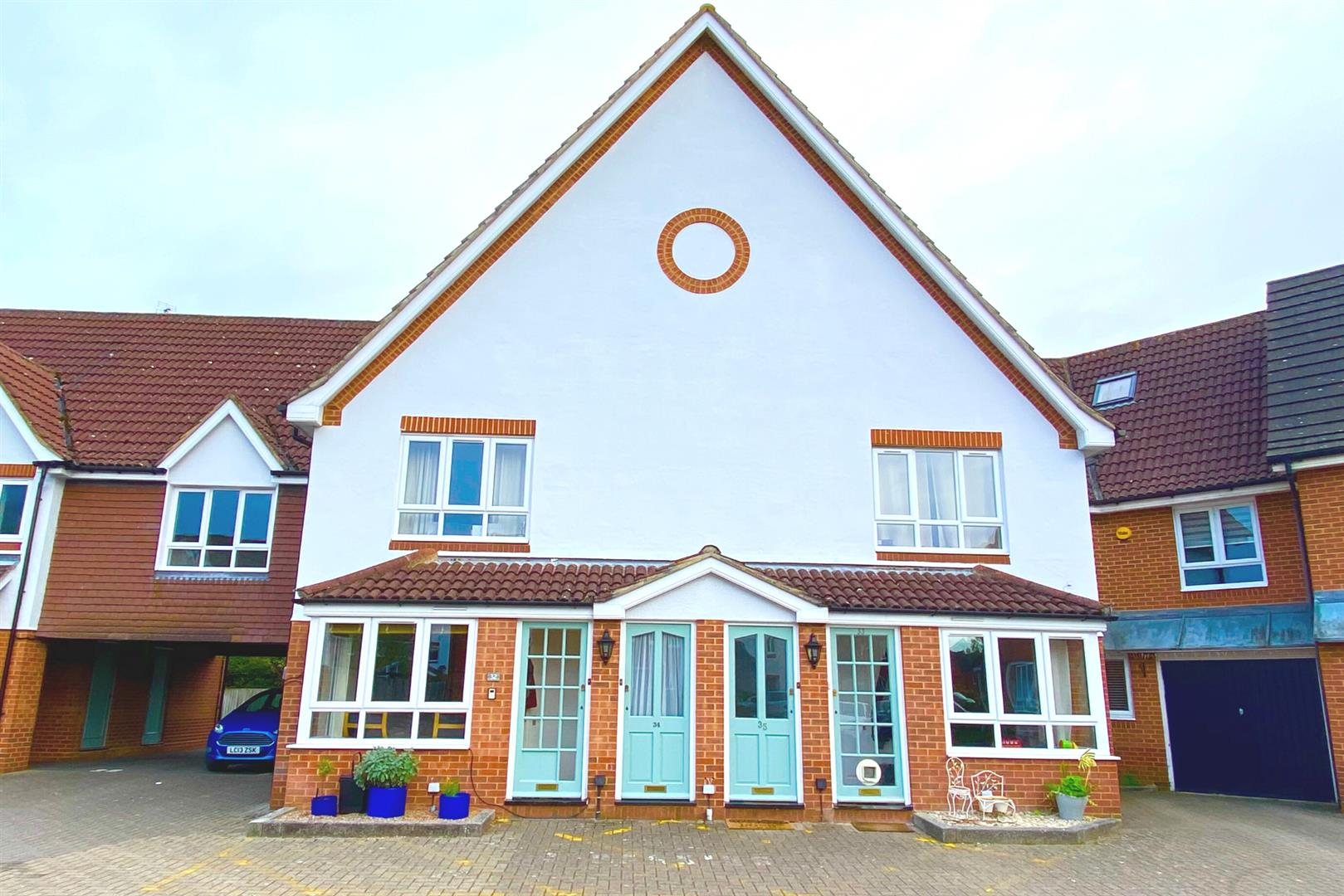 2 bed maisonette for sale in Woodley, RG5