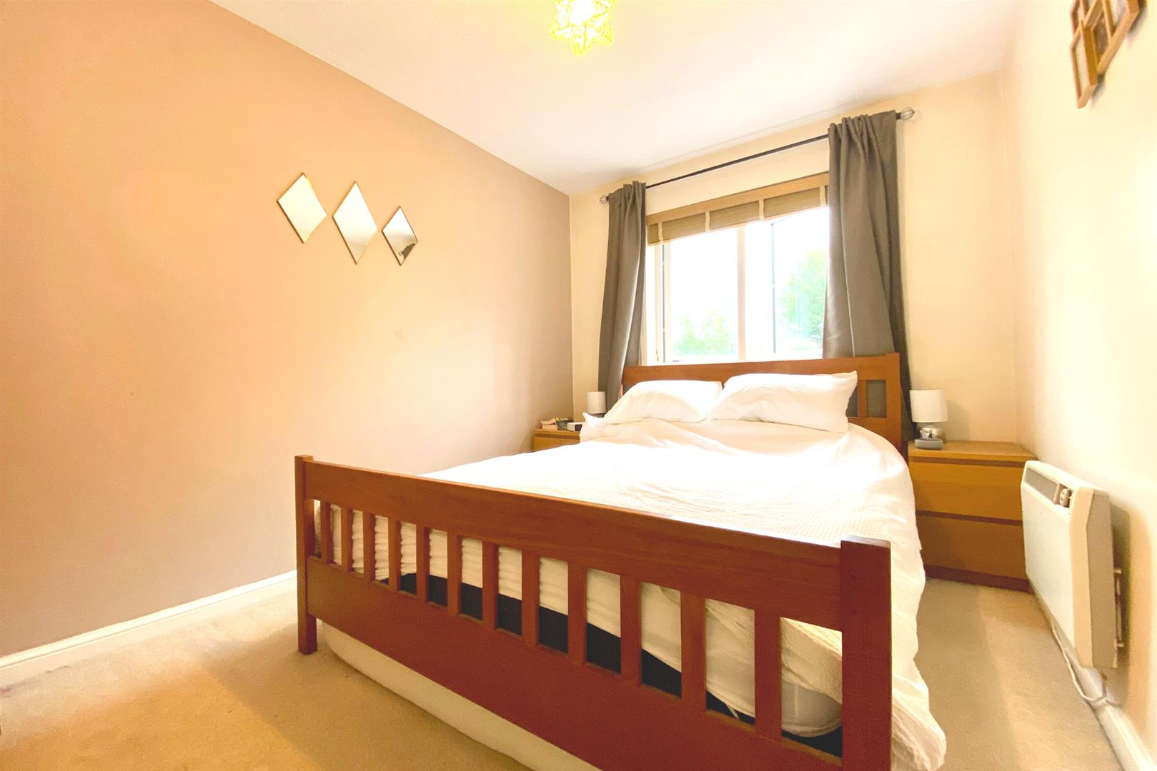 2 bed maisonette for sale in Woodley 3
