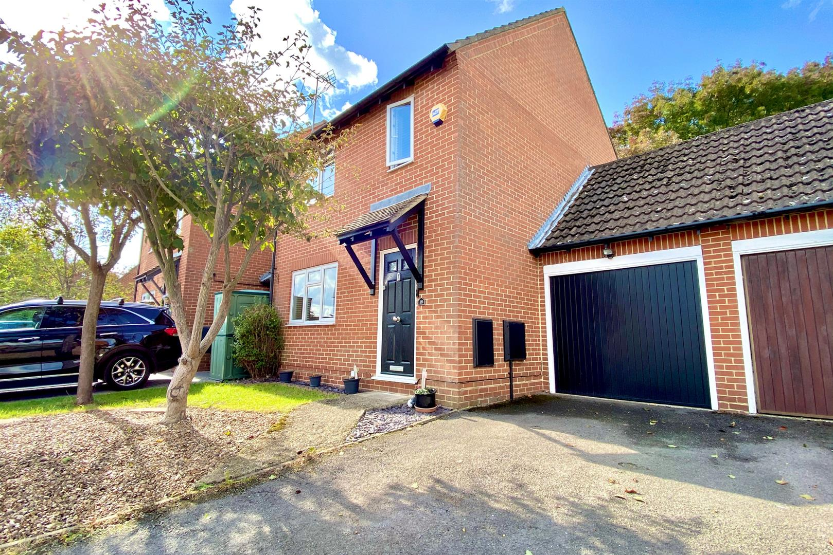3 bed link detached house for sale in Earley, RG6