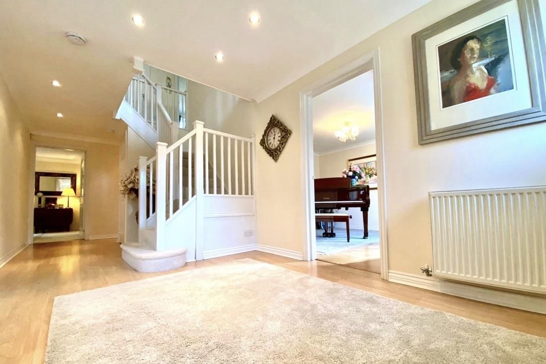 5 bed detached for sale in Shinfield 14