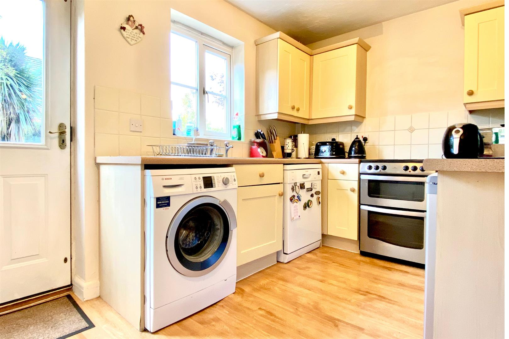 2 bed end of terrace for sale in Three Mile Cross 6