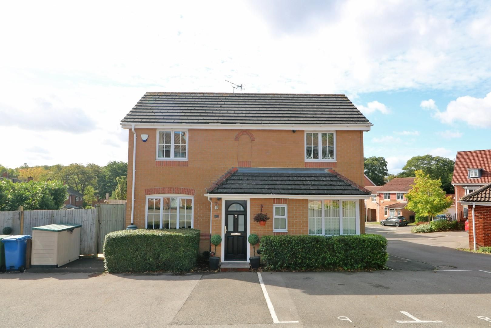 3 bed end of terrace for sale 1