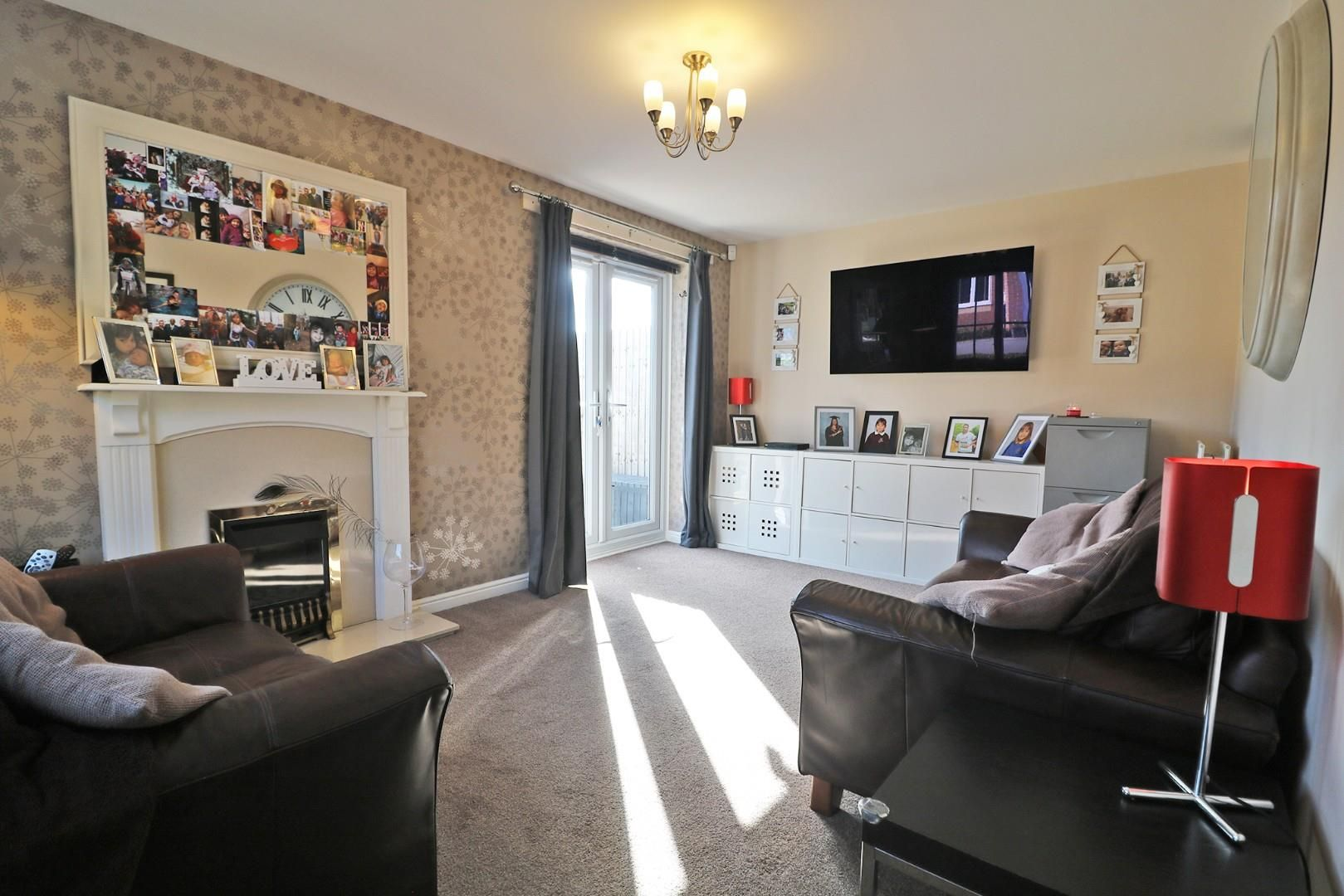 3 bed end of terrace for sale 2