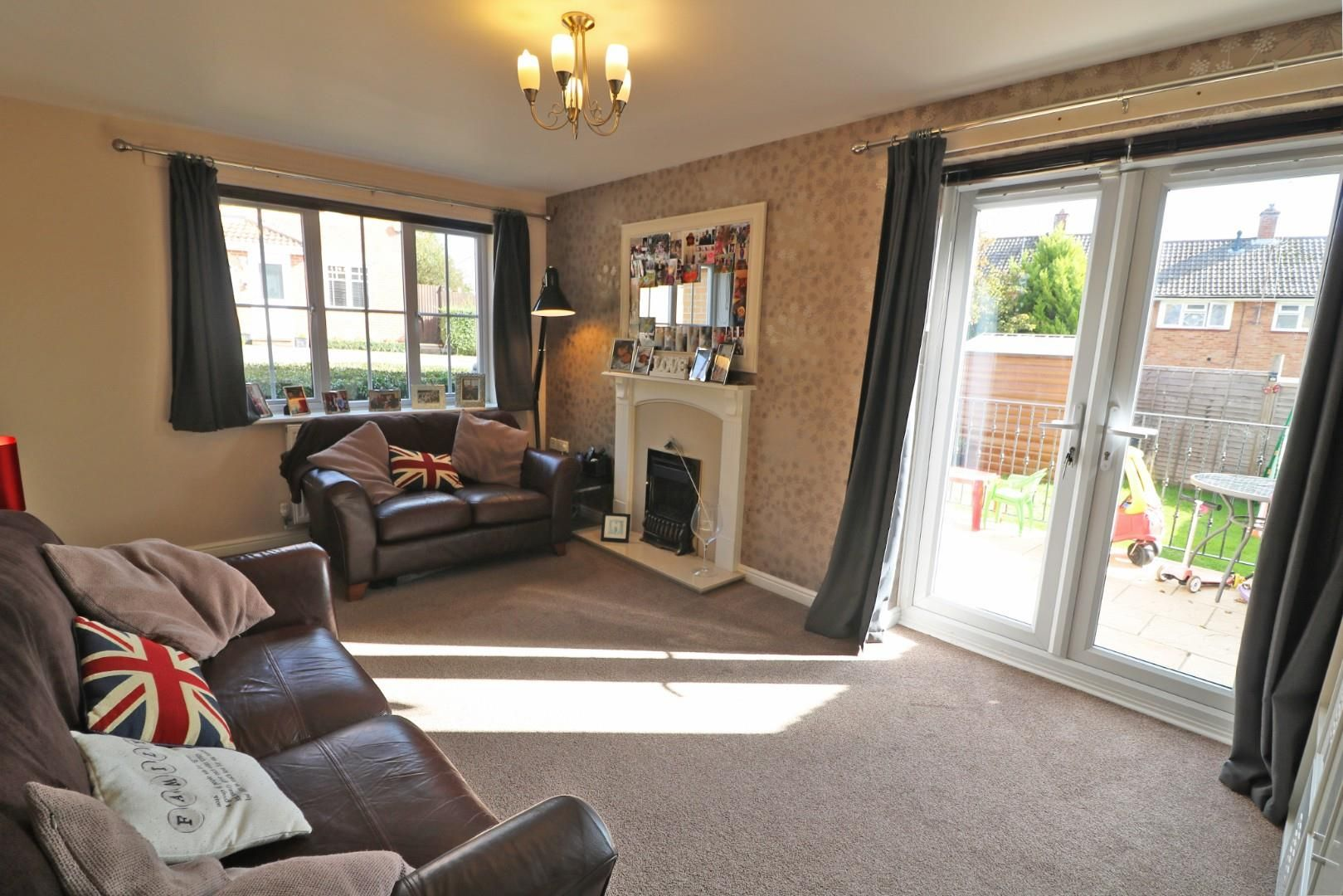 3 bed end of terrace for sale 7