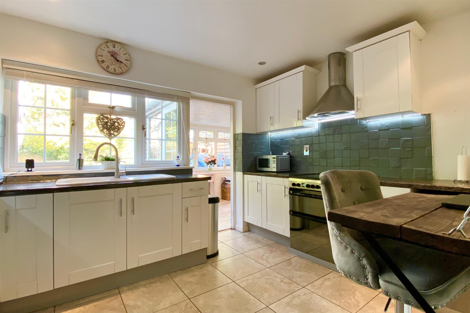 4 bed link detached house for sale in Finchampstead 3