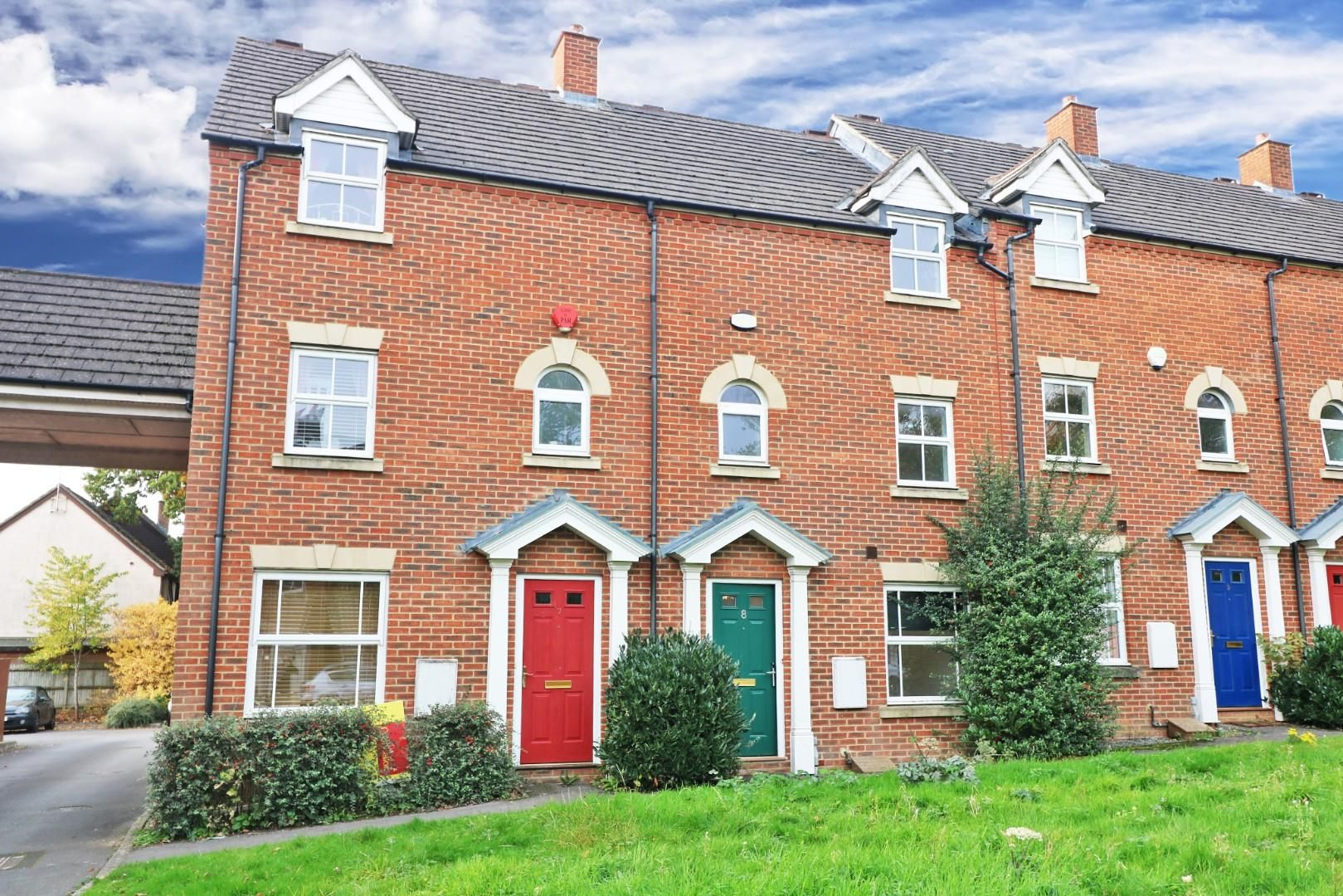 4 bed town house for sale  - Property Image 3