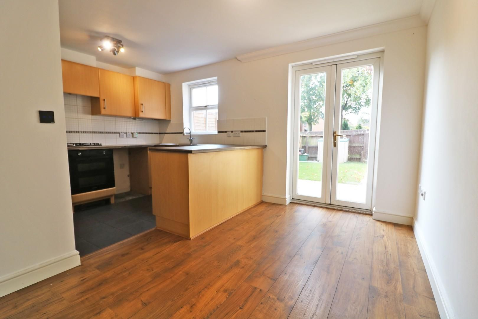 4 bed town house for sale  - Property Image 4