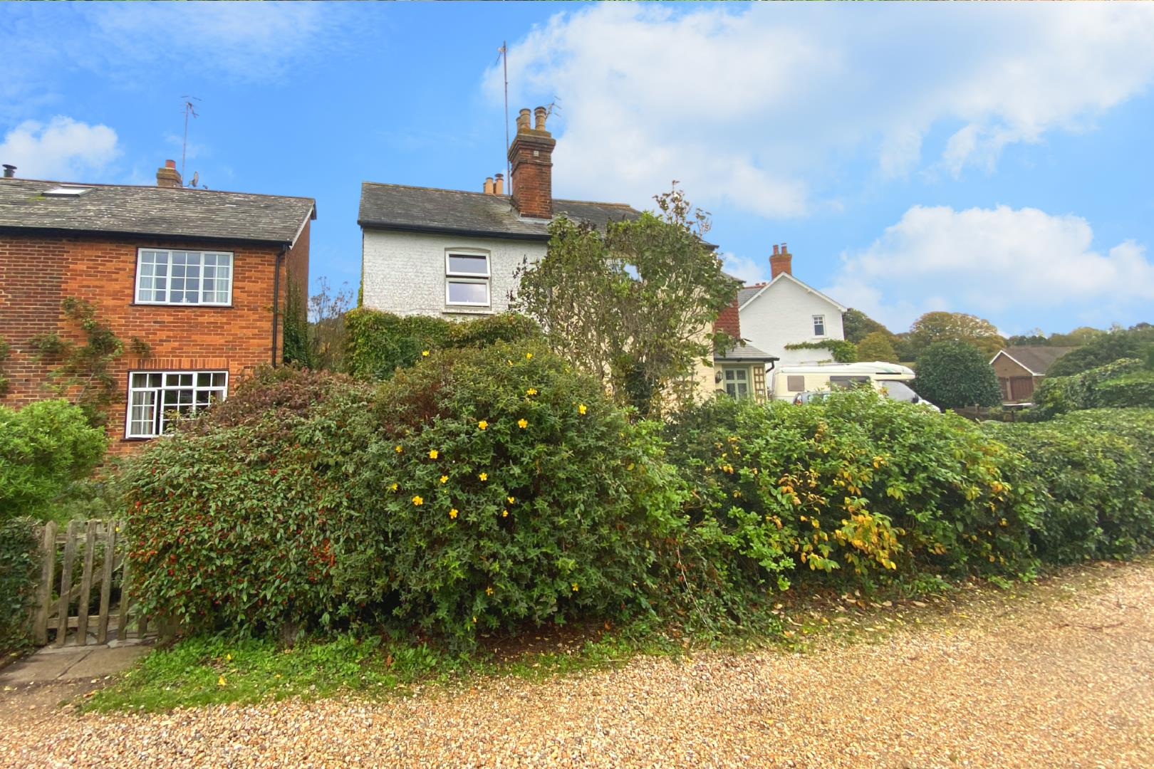 2 bed house for sale in Wonersh 1