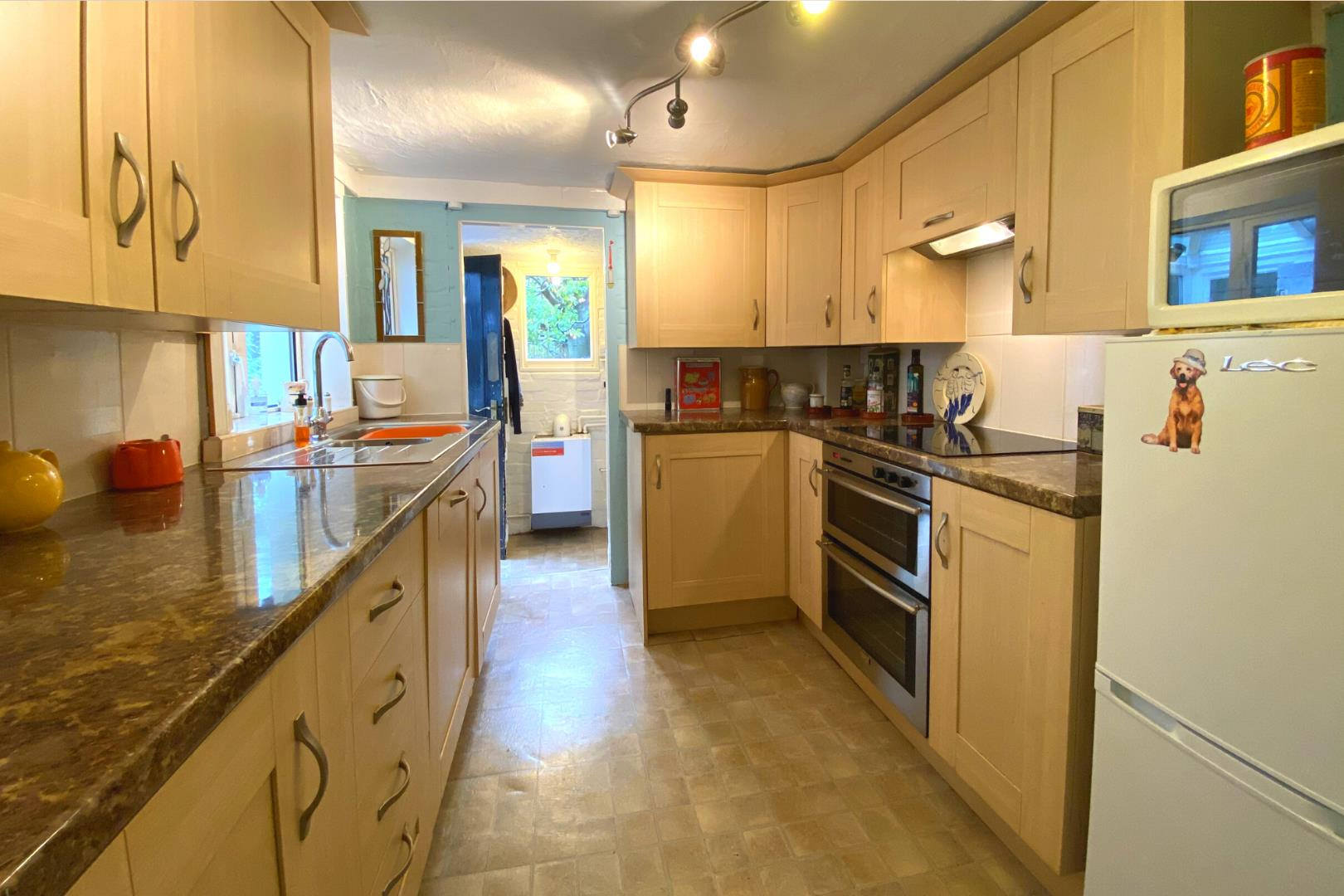 2 bed house for sale in Wonersh 4