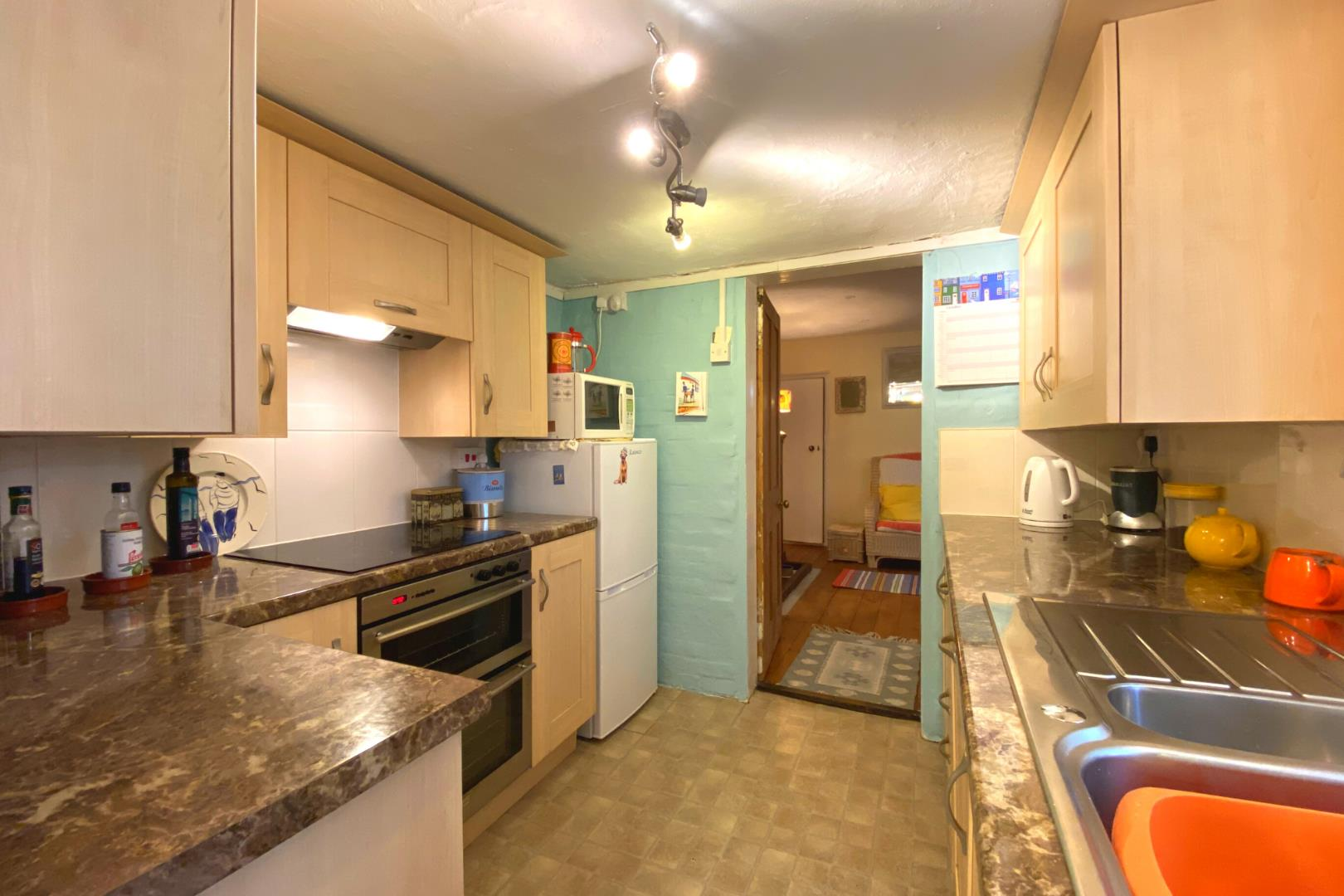 2 bed house for sale in Wonersh 10