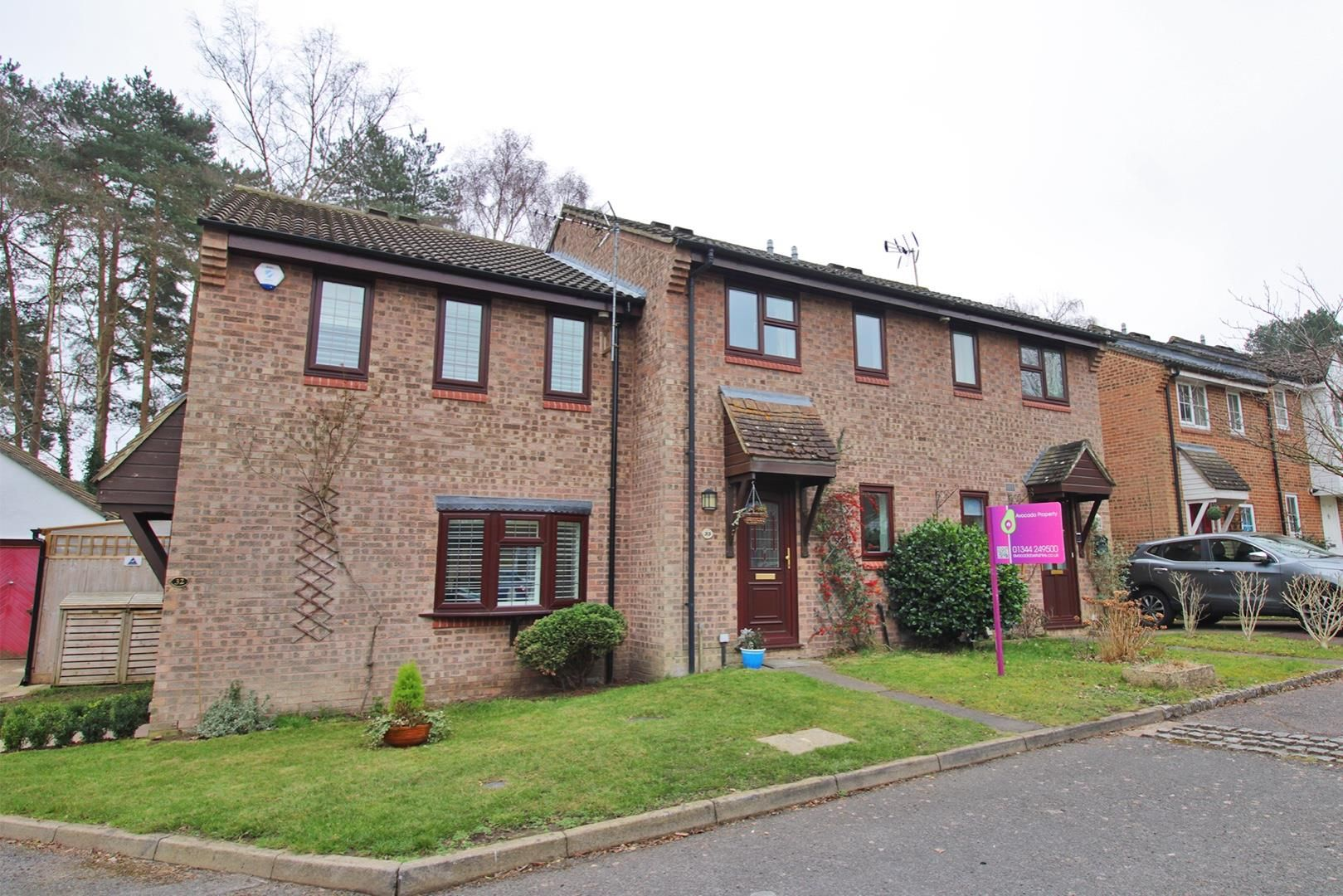 2 bed terraced for sale in Forest Park, RG12