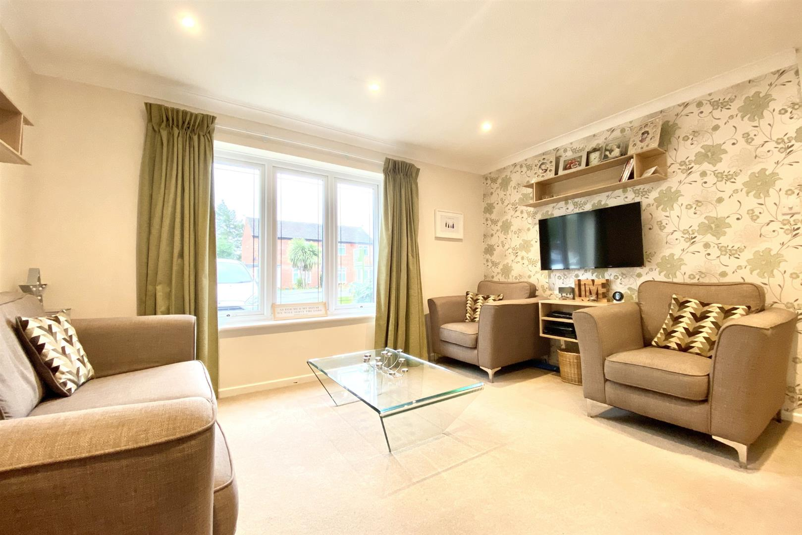 3 bed end of terrace for sale in Winnersh  - Property Image 3