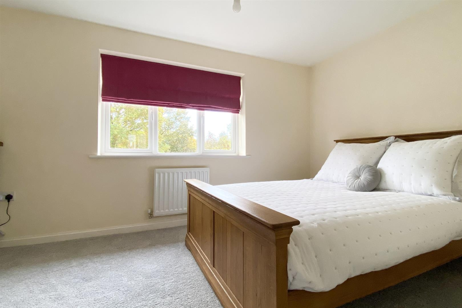 2 bed terraced for sale in Three Mile Cross  - Property Image 5