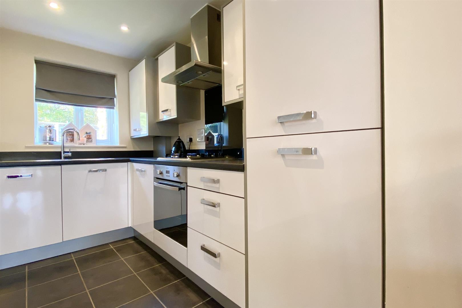 2 bed terraced for sale in Three Mile Cross 10
