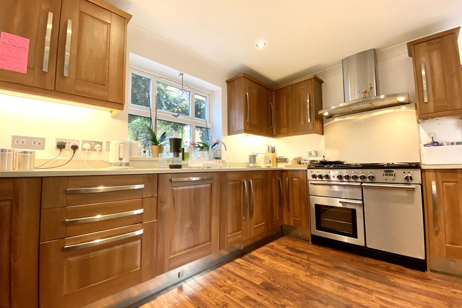 5 bed detached for sale in Woodley 16