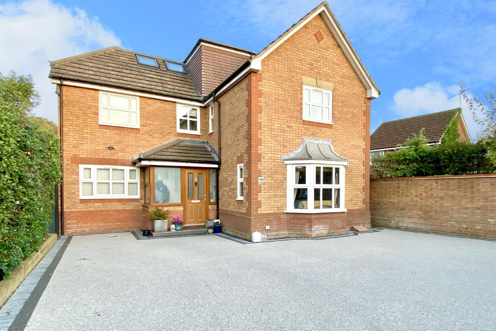 5 bed detached for sale in Woodley 18