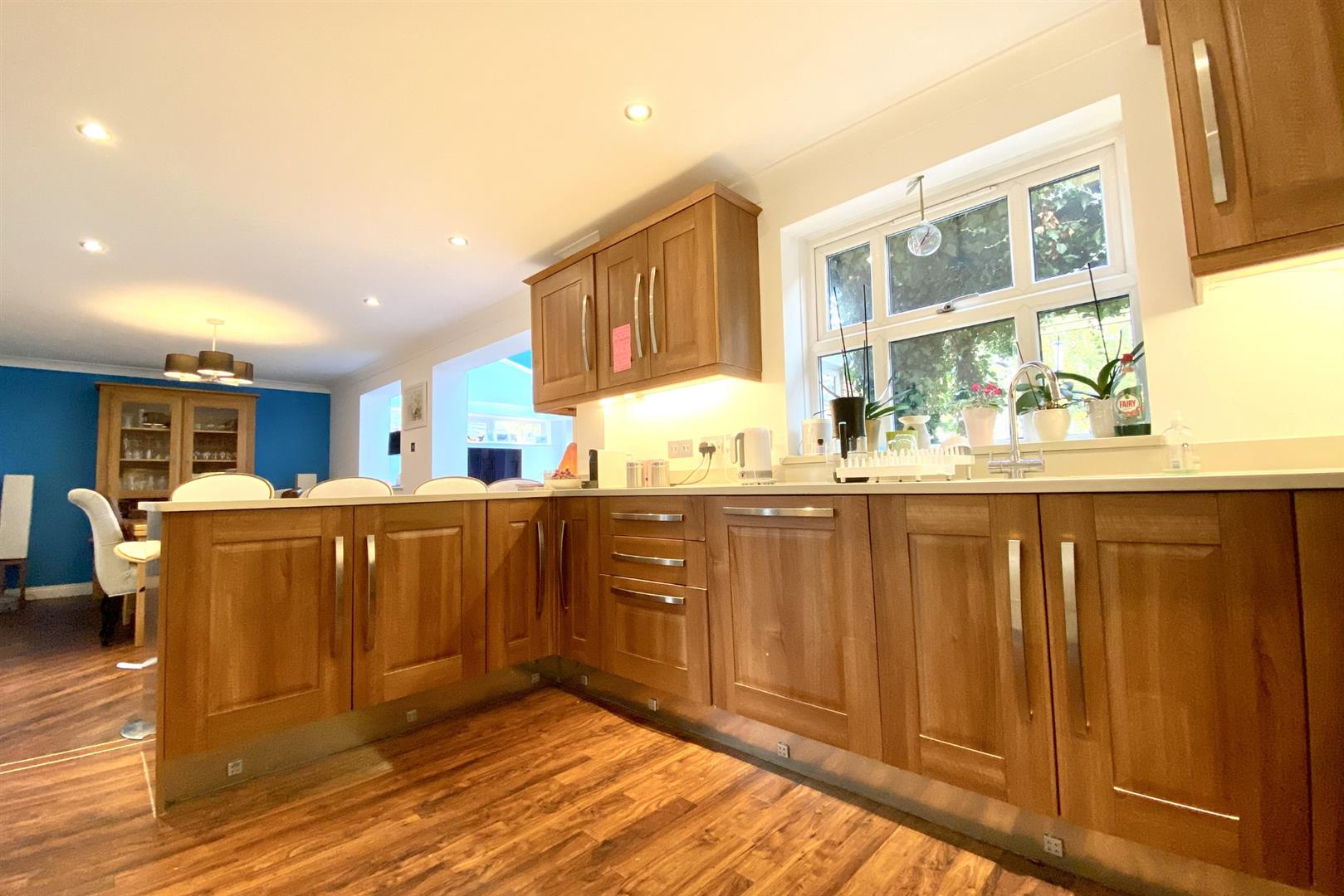 5 bed detached for sale in Woodley  - Property Image 5
