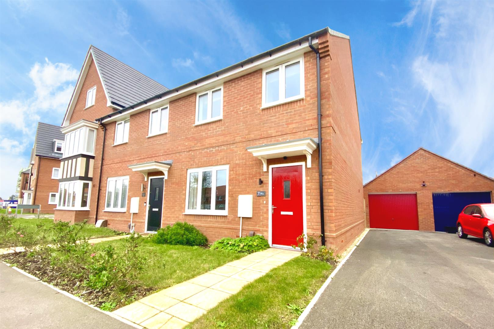 2 bed end of terrace for sale in Shinfield 1