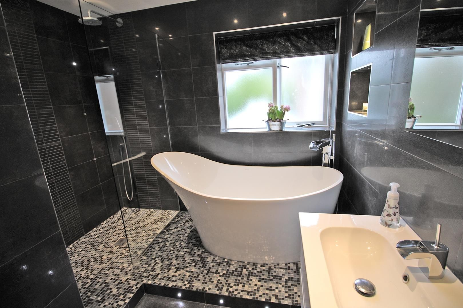 5 bed detached for sale 16