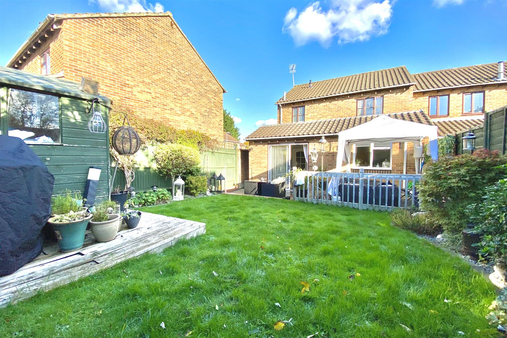 3 bed end of terrace for sale in Lower Earley 11
